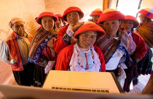 Weavers of Patabamba