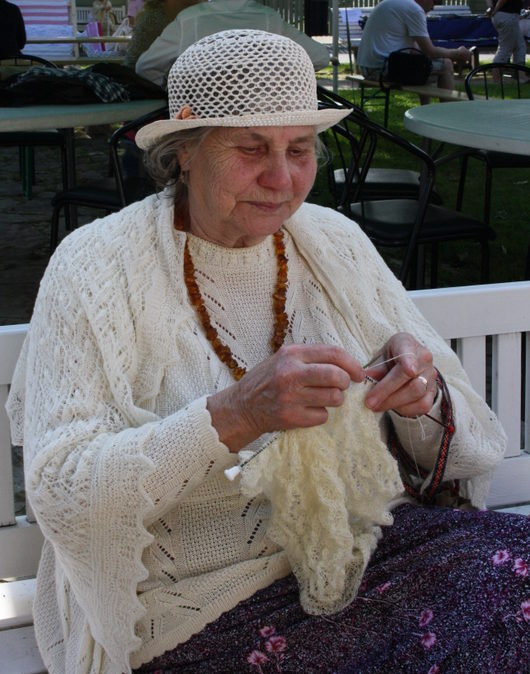 Lace Day Knitter