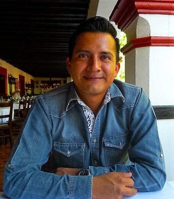 Photographer Alejandro Aquino.
